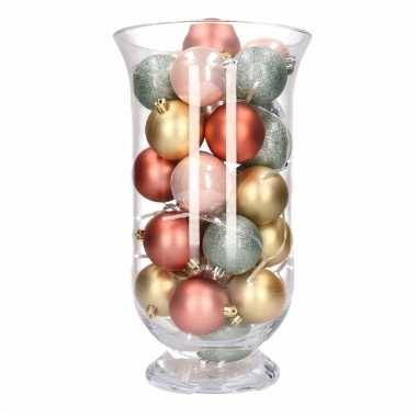 Diy kerstdecoratie kelk vaas met gouden en roze kerstballen