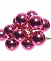 10x fuchsia roze mini kerstballen kerststukje stekers 2 cm glans